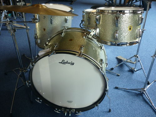 1959 Ludwig Transition Badge drumset 22-12-16-snare