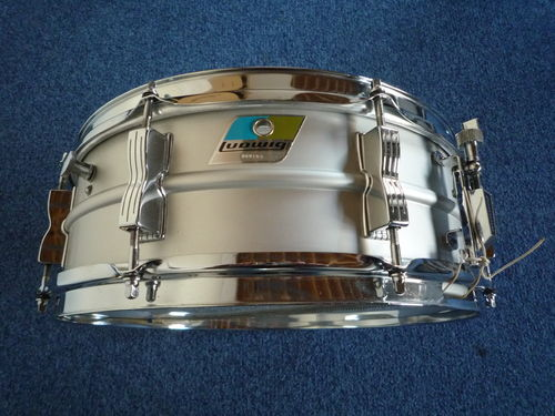 Ludwig L404 Acrolite snare drum from 1973
