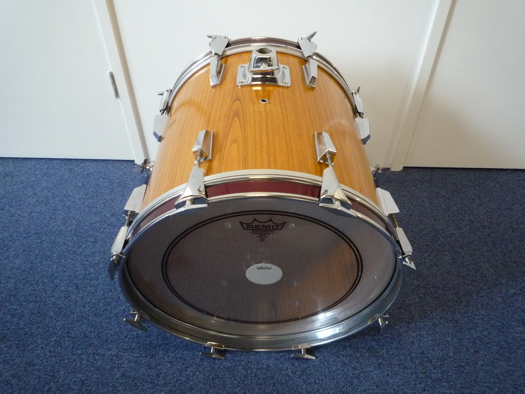 bass drum 18 x 16 no brand sonor copy purple chord classic drums cymbals. Black Bedroom Furniture Sets. Home Design Ideas