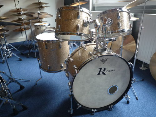 "1969 Rogers Holiday drumset 24""-12""-13""-16"""