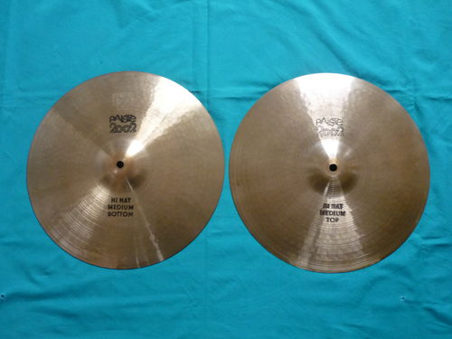 "14"" Paiste 2002 Medium Hi-Hat black label, 1981"