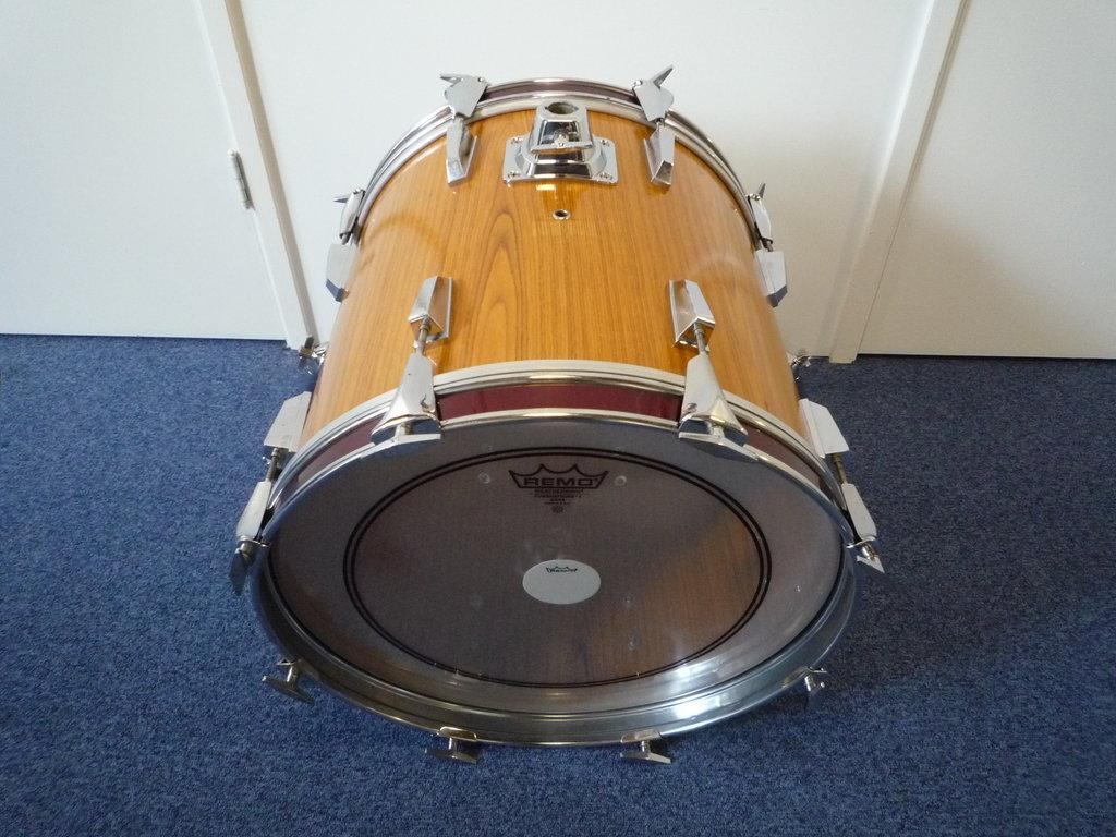 Bass Drum 18 Quot X 16 Quot No Brand Sonor Copy Purple Chord