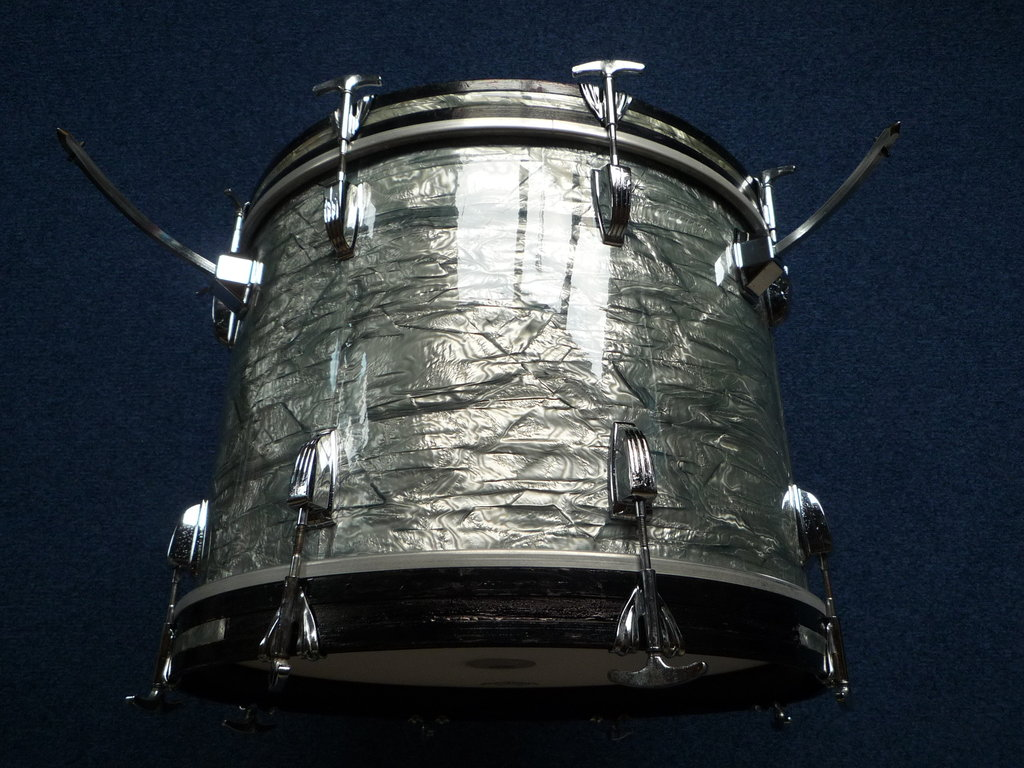 1969 ludwig bass drum 20 x 14 sky blue pearl finish purple chord classic drums cymbals. Black Bedroom Furniture Sets. Home Design Ideas