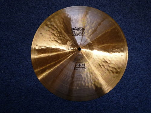 "14"" Paiste 2002 Bottom Hi-Hat black logo, 949 grams from 1973"