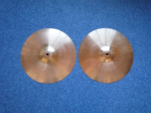 "13"" Paiste 505 Medium Hi-Hat black logo, 779 and 572 grams"