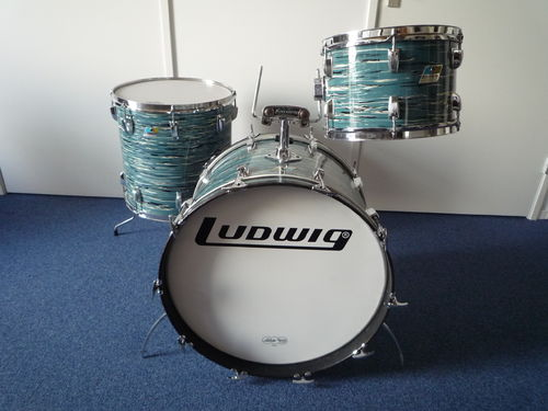 "1970 Ludwig Big Beat drumset 22""-12""-13""-16"" bowling ball blue"