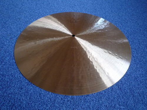"20"" Paiste Traditional Light Flat Ride, 2039 grams"