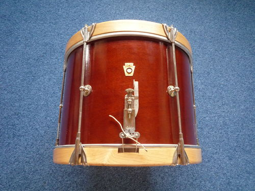"1968 Ludwig Marching snare drum 14"" x 10"", natural wood"