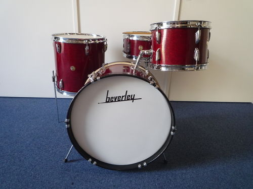 "Beverley 1960's Jazzset 20""-12""-14""-snare Red Sparkle finish"