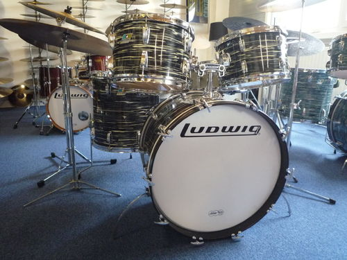 "1976 Ludwig Big Beat drumset 22""-12""-13""-16"" oyster black"