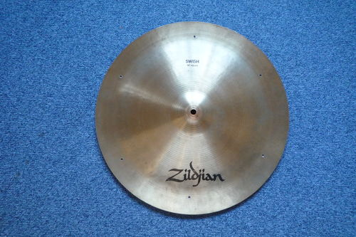 "18"" Zildjian Avedis 1980's Swish with 6 rivets, 1301 grams"