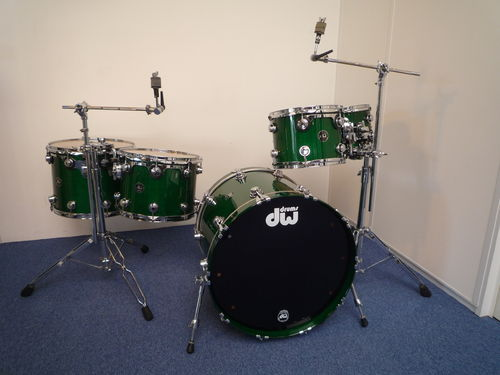 "DW Maple Collectors Series Drum Kit, 22"",10"",12"",14"",16"" Hunter Green finish"