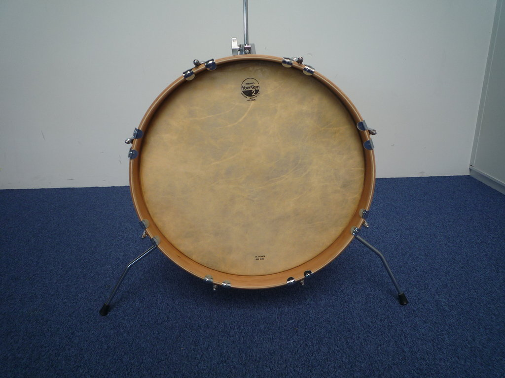 Vintage Pearl Fiberglass 18 Quot X 16 Quot Bass Drum Black Cortex