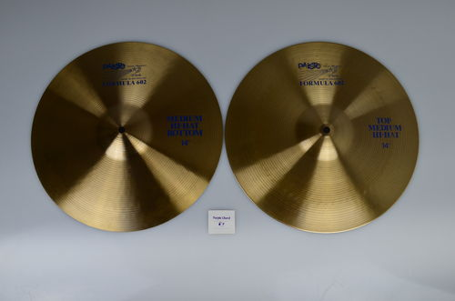 "14"" Paiste 602 Medium Hi-Hat, 961 - 861 grams, from 1981, blue logo"