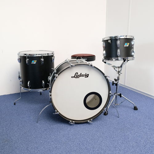 "1976 Ludwig Black Panther drumset 22"" - 13"" - 16"", 3-ply shell"
