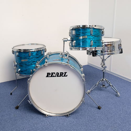 "Pearl Challenger outfit drumset 20"" - 12"" - 14"" Blue Oyster Pearl finish from 1971/72"